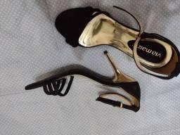 Sandálias e sapatilha