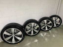 Jogo de rodas aro 22 sem detalhes com pneus seminovos 265/40 R22 106W