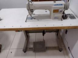 Título do anúncio: Vende- Máquinas de costura