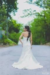 Título do anúncio: Vestido de noiva tomara que caia veste 36
