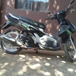 Título do anúncio: Vendo moto Yamaha neo automático 115cc