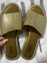 Vendo Melissa Dourada Com Brilho TAM.34