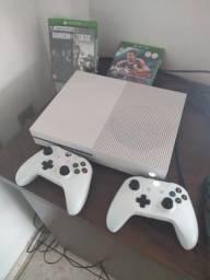 Vendo Xbox one slim 1tera de memória