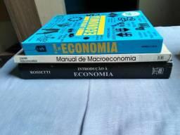 Livros bases de Economia