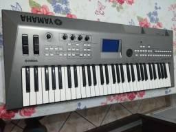 Teclado/Sintetizador Yamaha MM6