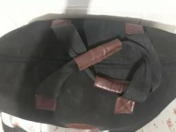 Vendo bolsa de viagem de couro, pra hoje 80.00 reais