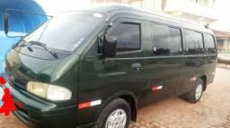 Minivan kia 2001, ótima para viagens, 4 pneus novos, toda original e em ótimo estado