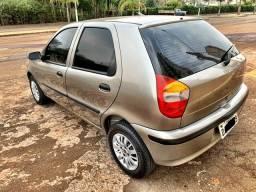 Fiat Palio 1.0 com direção hidráulica 4 portas prata super conservado tro.co e financio