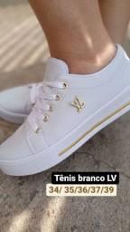 Tênis branco lindo