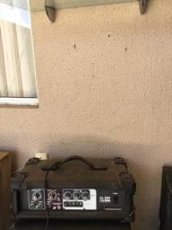Vendo amplificador ligado na energia