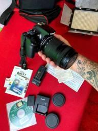 Camera Cânon eos Rebel T3 + acessórios