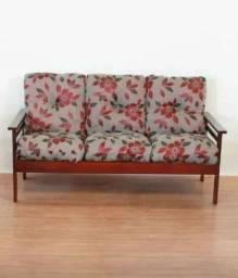 Sofa madeira 3 lugares