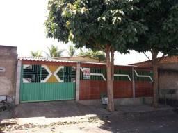 Casa 3 Quartos + barracão no Jardins Tiradentes
