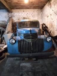 Título do anúncio: Furgão Chevrolet 1941 - em excelente estado e com documentos