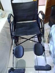 Título do anúncio: Cadeira de rodas seminova