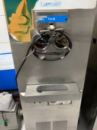 Título do anúncio: Máquina de sorvete TRE B