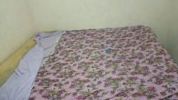 Título do anúncio: Vende -se uma cama king muito grande valor 550
