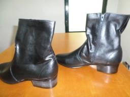 Novo!! Comum para mulheres ou homens- Botas de puro couro de boa qualidade,Tamanho 42