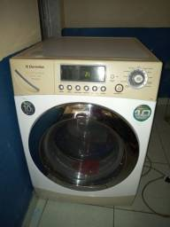 Título do anúncio: Lava e seca Electrolux de 10.5k funcionado tudo