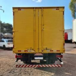 Caminhão 34 Iveco Vertis 90v18