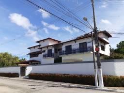 Excelente casa 4/4 sendo 3 suítes,piscina,Cond.Jardim Horto II