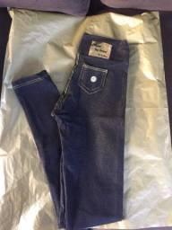 Legging que imita jeans tam. 1 a 10 anos por 25,00