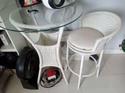 Mesa bistrô 0.80 alta.. com 1 cadeira rotativa *