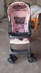 Carrinho de bebê da marca Galzerano