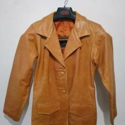 Jaqueta de couro legal tom terroso natural