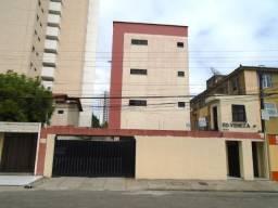 Apto. no Ed. Veneza, 2 quartos, garagem, portaria, por trás do Pão-de-Açúcar da Bezerra