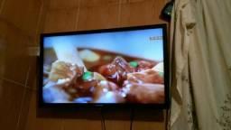 970fe288ab3 TV LCD da SEMP TOSHIBA de 32 polegadas com controle remoto
