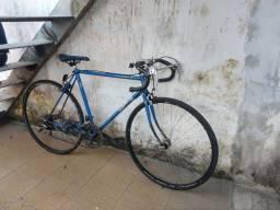 #Para sair hoje# bicicleta de corrida em bom estado!!!