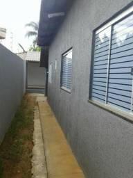 Vendo casa 2qts+1quarto fundo Jardim Helvécia, atrás Cidade Empresarial