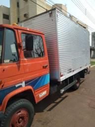 Caminhão Mercedez 608