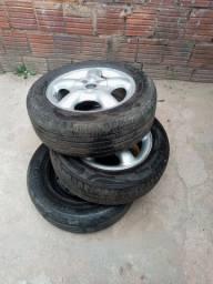 Vendo 2 rodas de corsa e 1 roda de ferro