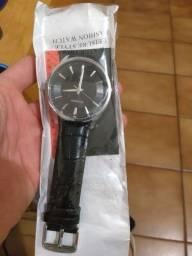 Relógios Curren muito bom