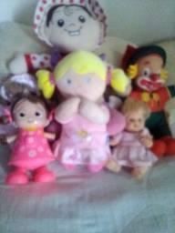 Lote de 5 bonecas.