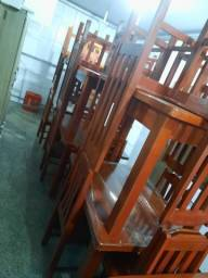 Jogos  de mesa 4 cadeiras novos