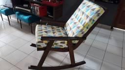 Título do anúncio: Cadeiras de balanço em madeira com almofadas densidade D20