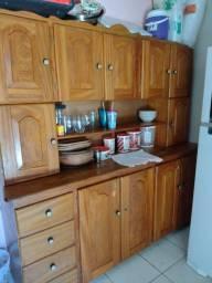 Título do anúncio: Vendo armário de madeira maciça