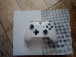 Xbox One S 1 TB + Conta com Vários jogos!