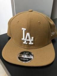 Título do anúncio: Boné New Era Los Angeles Snapback
