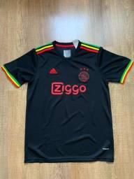 Título do anúncio: Camisa de time Ajax (imperdível)