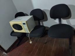 Cadeira vendendo por falta de espaço