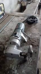 dobrador de tubos e tesoura eletrica