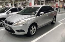 Título do anúncio: Ford Focus Sedan 2.0 Aut. 97 MIL KM, carro zerado, troco