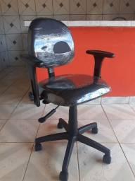 Título do anúncio: Cadeira Executiva De Escritório Muito Confortável