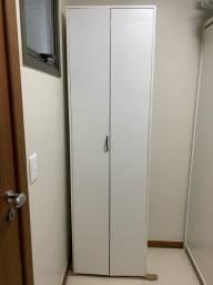 Título do anúncio: Armário para área de serviço - Para escada, vassoura e material de limpeza