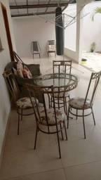 Conjunto cadeiras e mesa