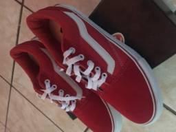 Tênis Vans vermelho
